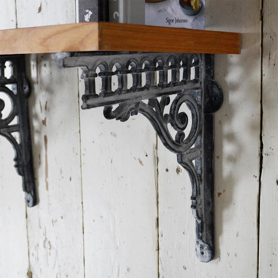 Victorian Styled Bracket