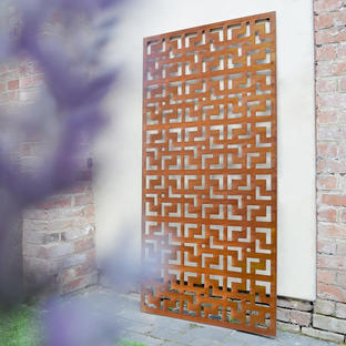 Geometric Patterned Metal Screen