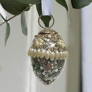 Silver sequin and pearl bead bauble