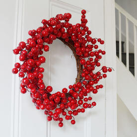 Classic Outdoor Red Berry Wreath