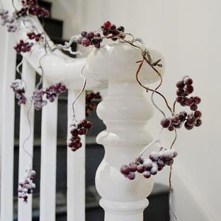 Snowy Burgundy Berry Garland