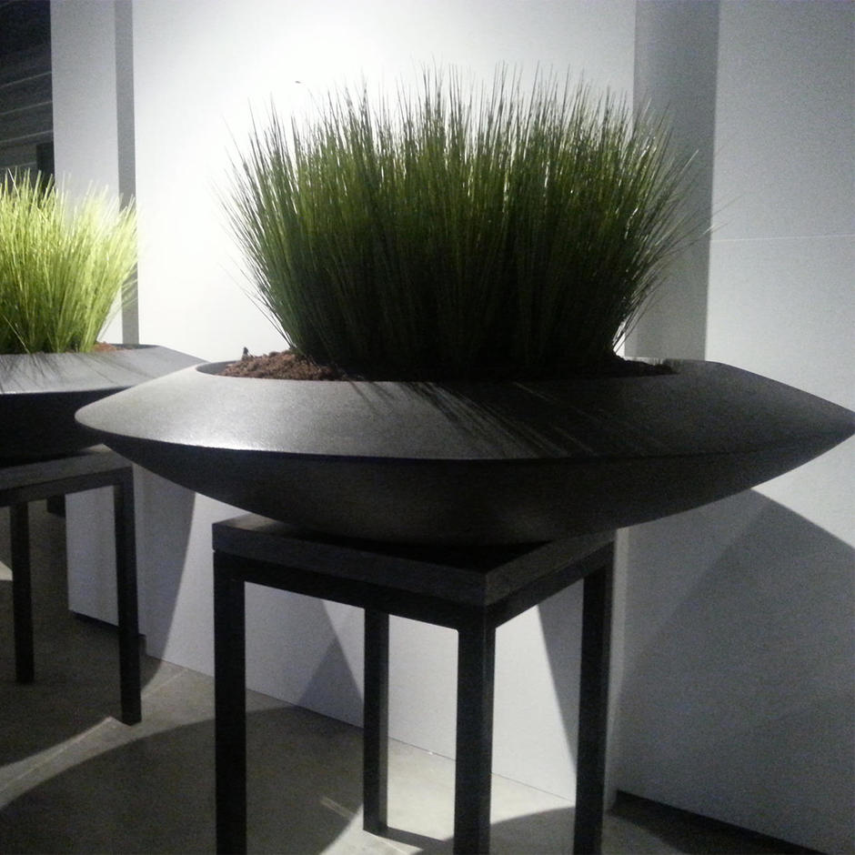 Discus Fibreglass Planter