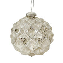 Diamond Pattern Hanging Baubles - Classic