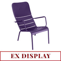 Luxembourg Low Armchair with headrest Aubergine - ex-display